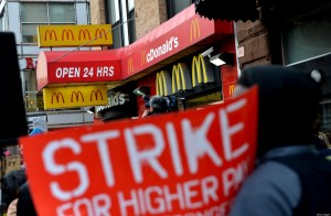 US-ECONOMY-WAGES-PROTEST